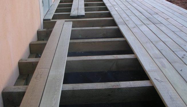 Création terrasse bois pin traité classe 4