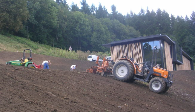 Travail du sol avant semis Musée du Protestantisme Ferrières