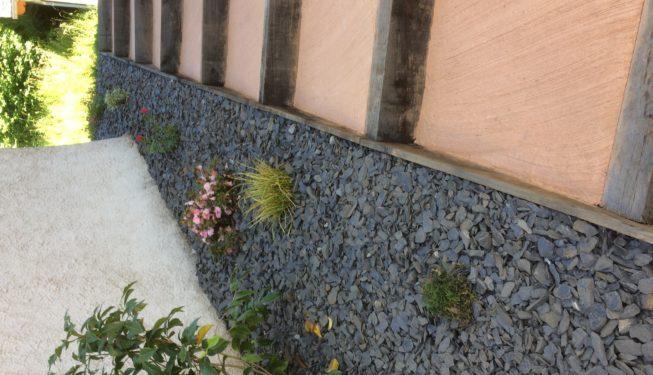 Réalisation escalier traverse et béton coloré